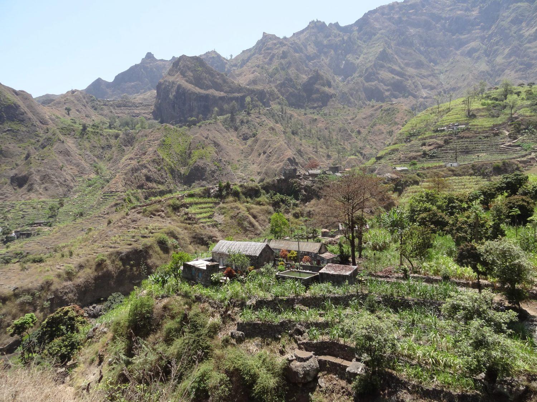 kaapverdie wandeling dorpje in vallee de paul