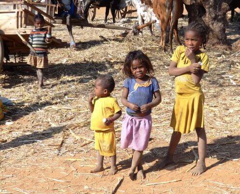 Madagascar kinderen op de markt