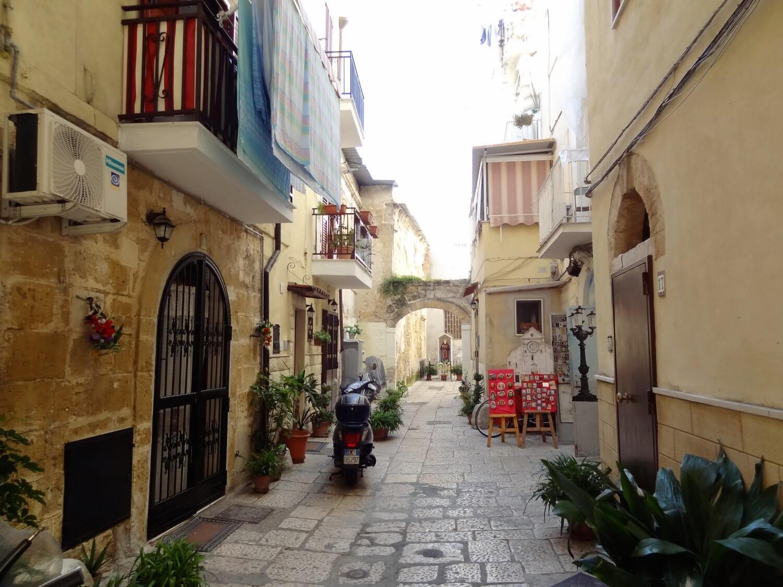 Italië Bari straatbeeld