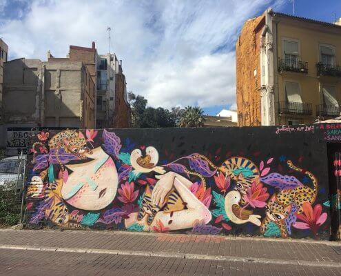 Valencia streetart tour Julieta