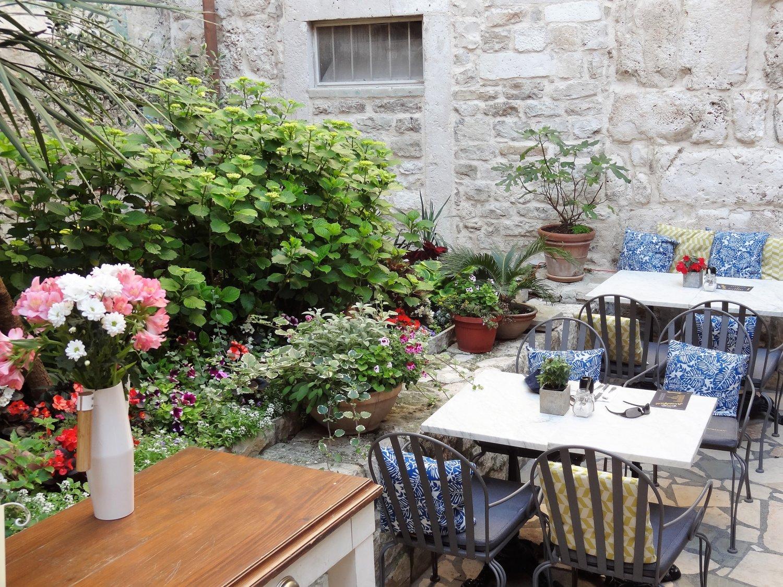 Kroatië Split restaurant Galerija